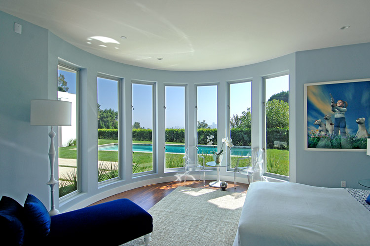 Exotic White and Blue Villa Interior Design