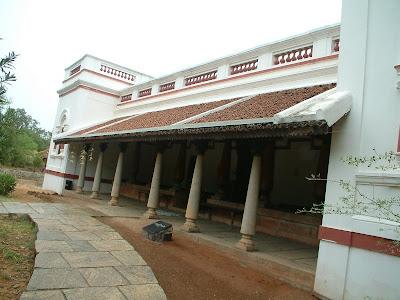 artnlight: Dakshina Chitra - The Traditional Chettinad House