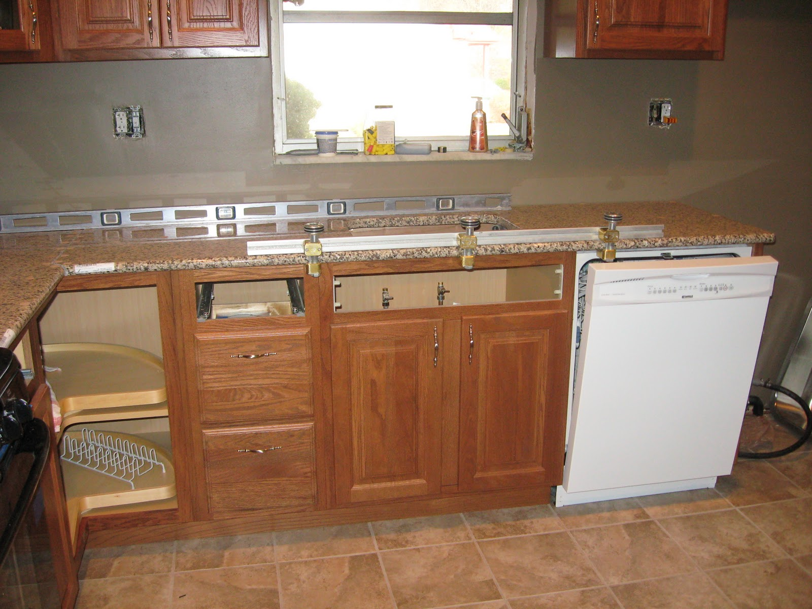 can see the easiest part of the job since there was no backsplash