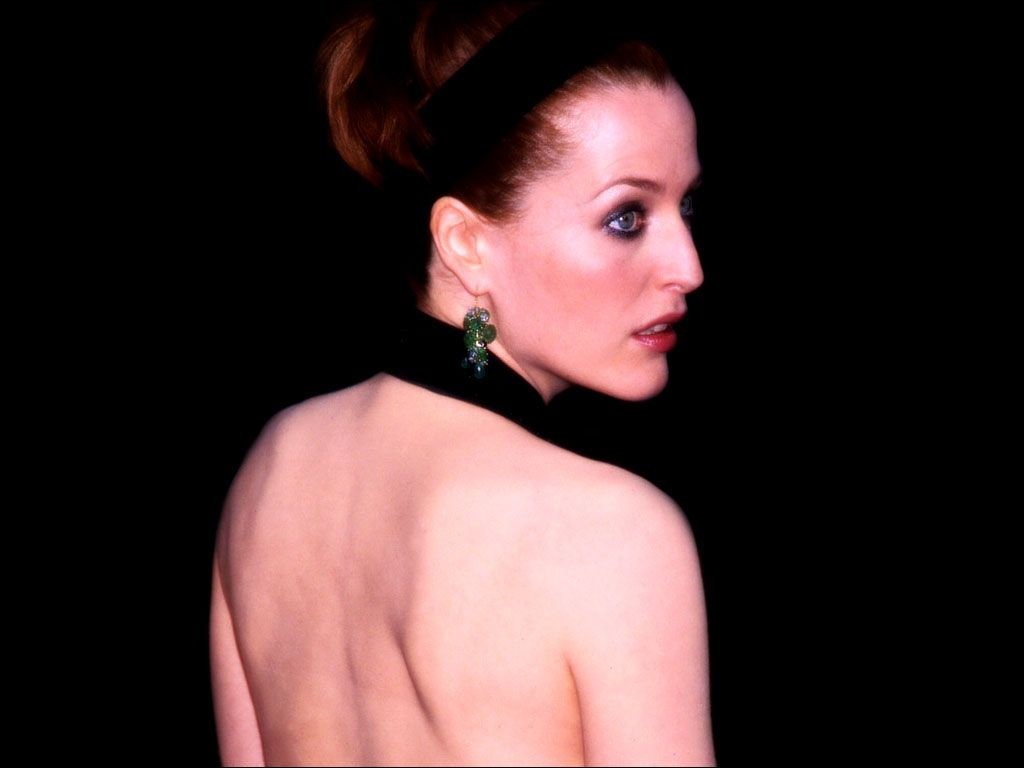 http://3.bp.blogspot.com/_6Ty_WF53R7E/TOmPYkPh-nI/AAAAAAAAC1E/xaKQaDKDJfE/s1600/actress-gillian-anderson-762326.jpg