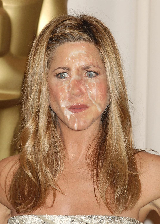 Jennifer Aniston Fakes