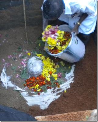 Hindu ceremony repast death corpse