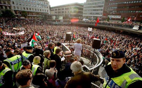 http://3.bp.blogspot.com/_6U6ukoXNXaU/TApj_aVRwKI/AAAAAAAAAg0/wfHB47YAR-s/s1600/swedendemo.jpg