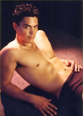[Image: 07MichaelCopon-OneTreeHill.jpg]
