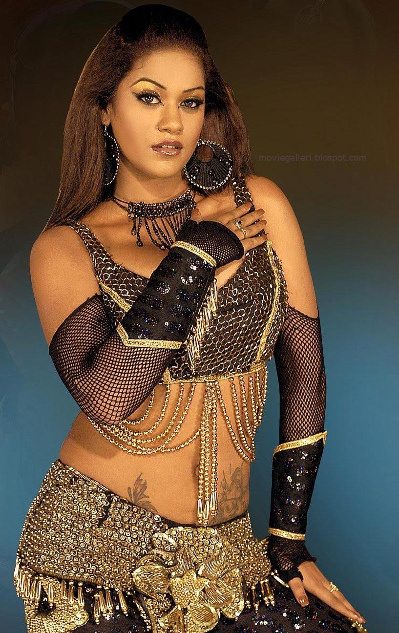 [Mumaith-Khan-hot-sexy-stills-04.jpg]