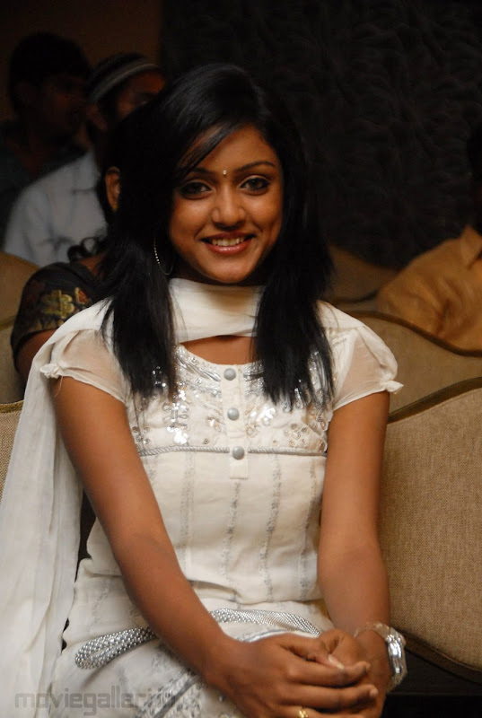 New Telugu Actress Keerthi Stills Actress Keerthi Photo Gallery hot photos