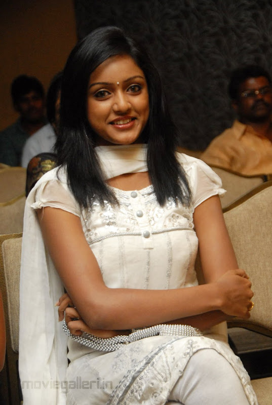 New Telugu Actress Keerthi Stills Actress Keerthi Photo Gallery Photoshoot images
