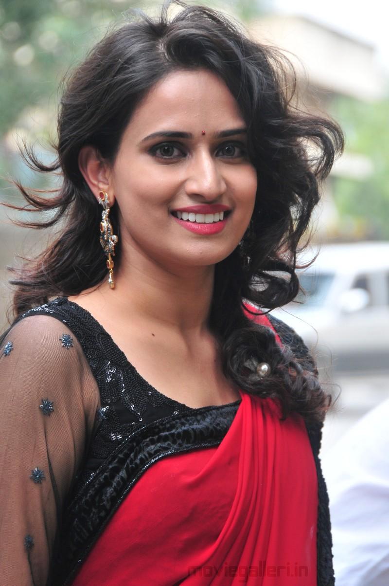 LBW Actress Chinmayi Ghatrazu Hot in Red Saree Stills