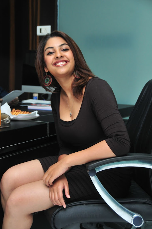 Photos Richa Gangopadhyay Latest Hot Pics Richa Gangopadhyay Hot New Stills wallpapers