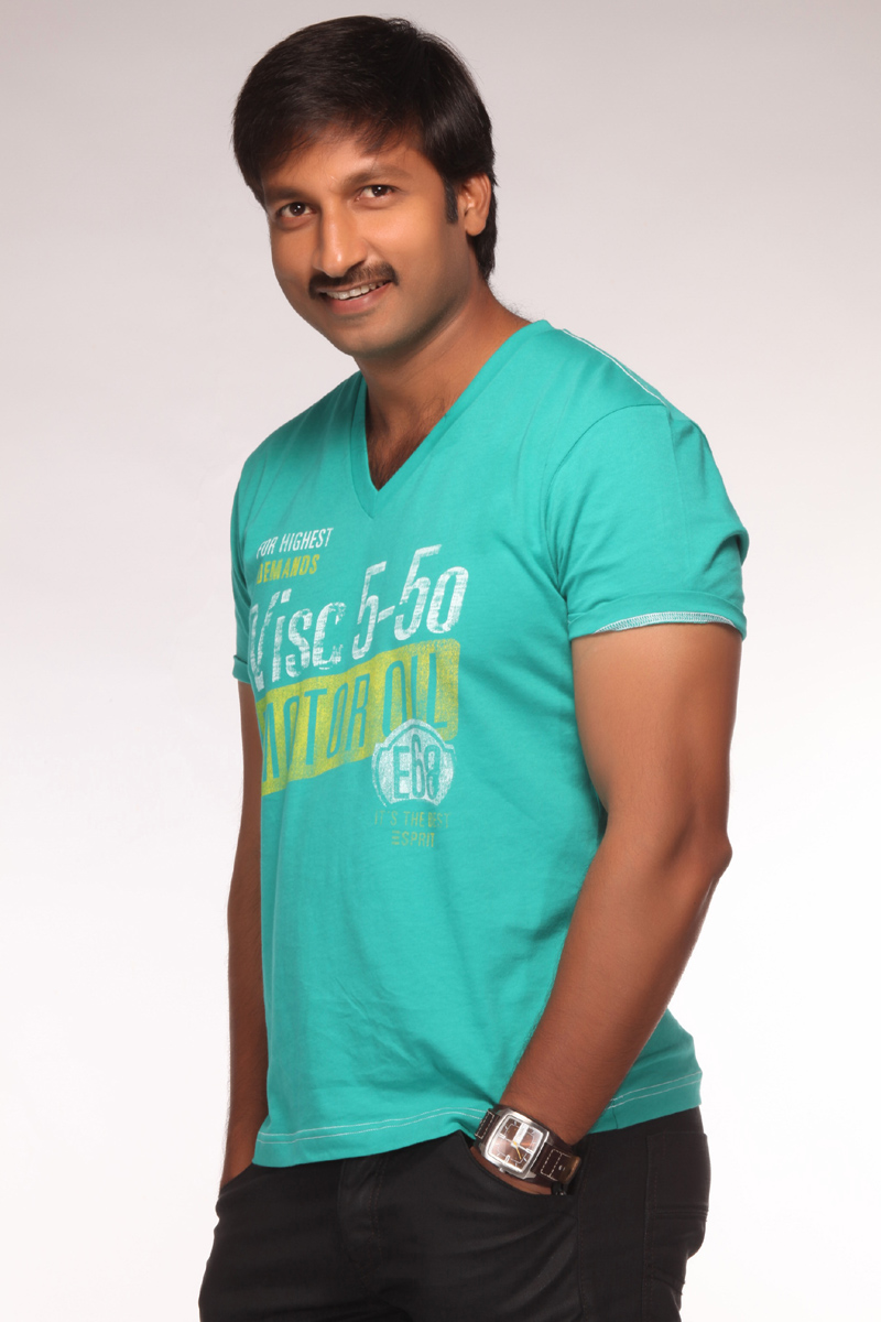 http://3.bp.blogspot.com/_6Vr9b9OoZno/TPnnVafmnnI/AAAAAAAAGBY/qoS2QaLoBAQ/s1600/gopichand_latest_photo_shoot_pics_stills_01.jpg