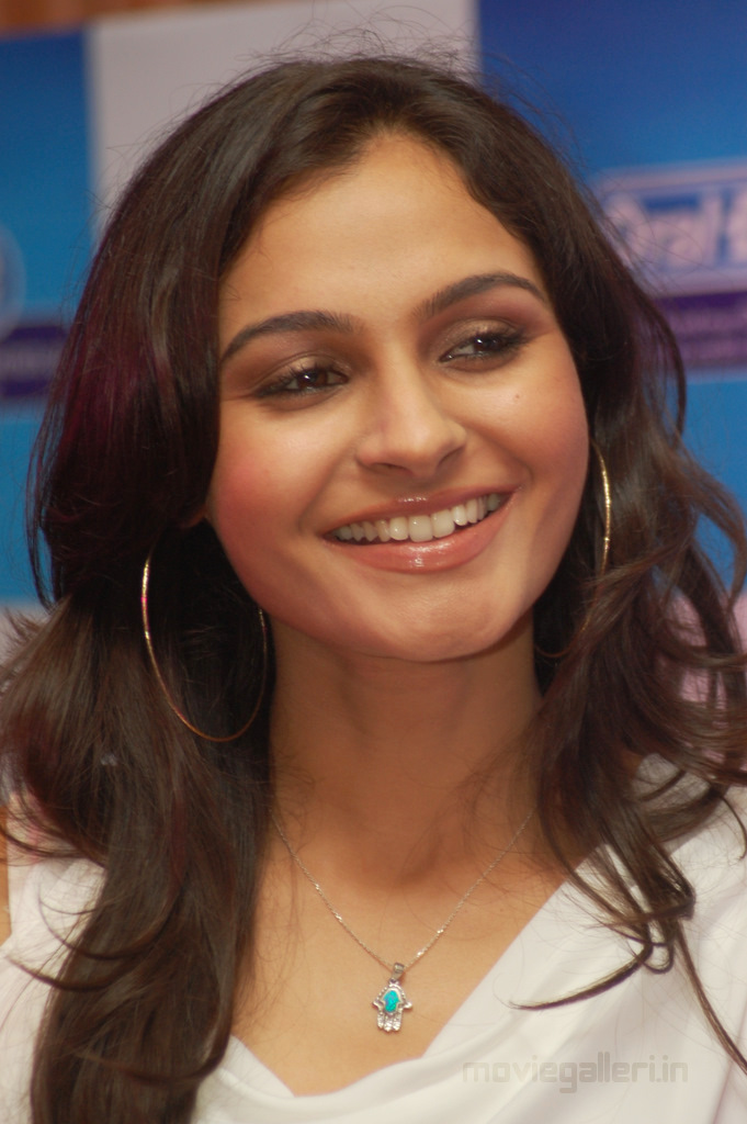 Actress andrea jeremiah hot pictures tamil tattoo designs picture