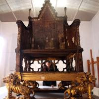 Coronation chair at Westminster Abbey image copyrighted by Google