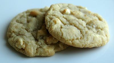 kill.the.gluten: White Chocolate Macadamia Nut Cookies