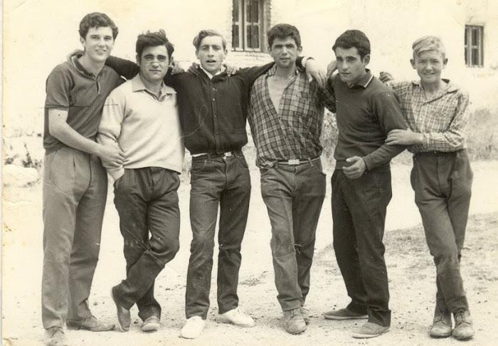 Mozos en la plaza 1968
