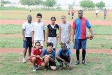 El fútbol une a haitianos y dominicanos en La Romana