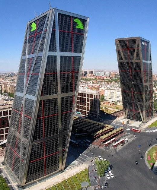Prefab is fab torres kio madrid - Torres kio arquitecto ...