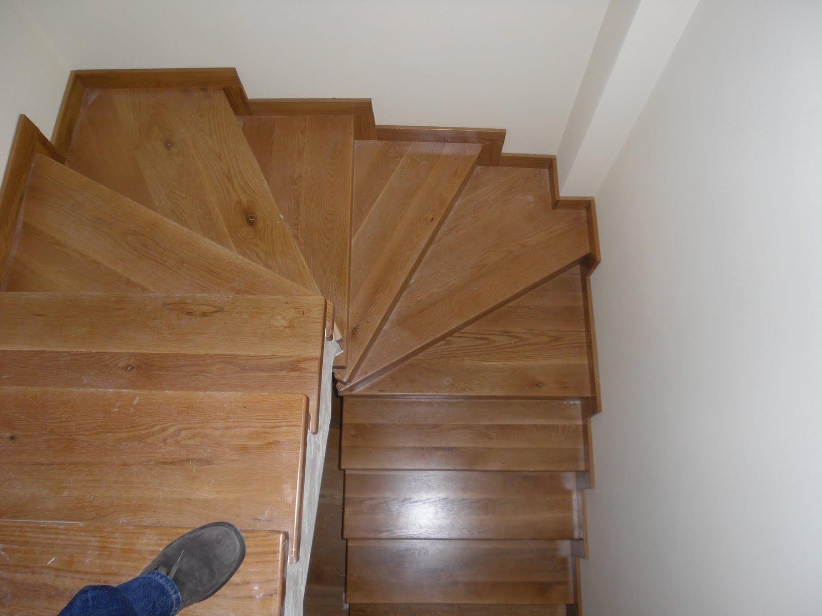 Pin escaleras de madera caracol on pinterest - Escaleras de caracol de madera ...