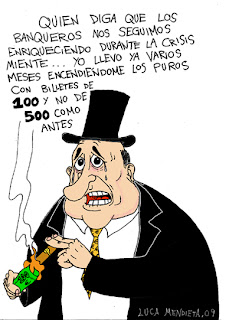 Banquero que enciende sus puros con billetes