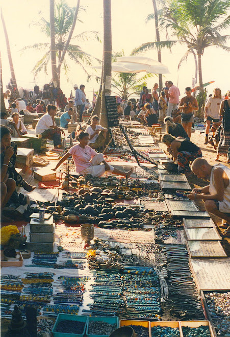 GOA, INDIA, & THE MOST BEAUTIFUL FLEA MARKET IN THE WORLD!