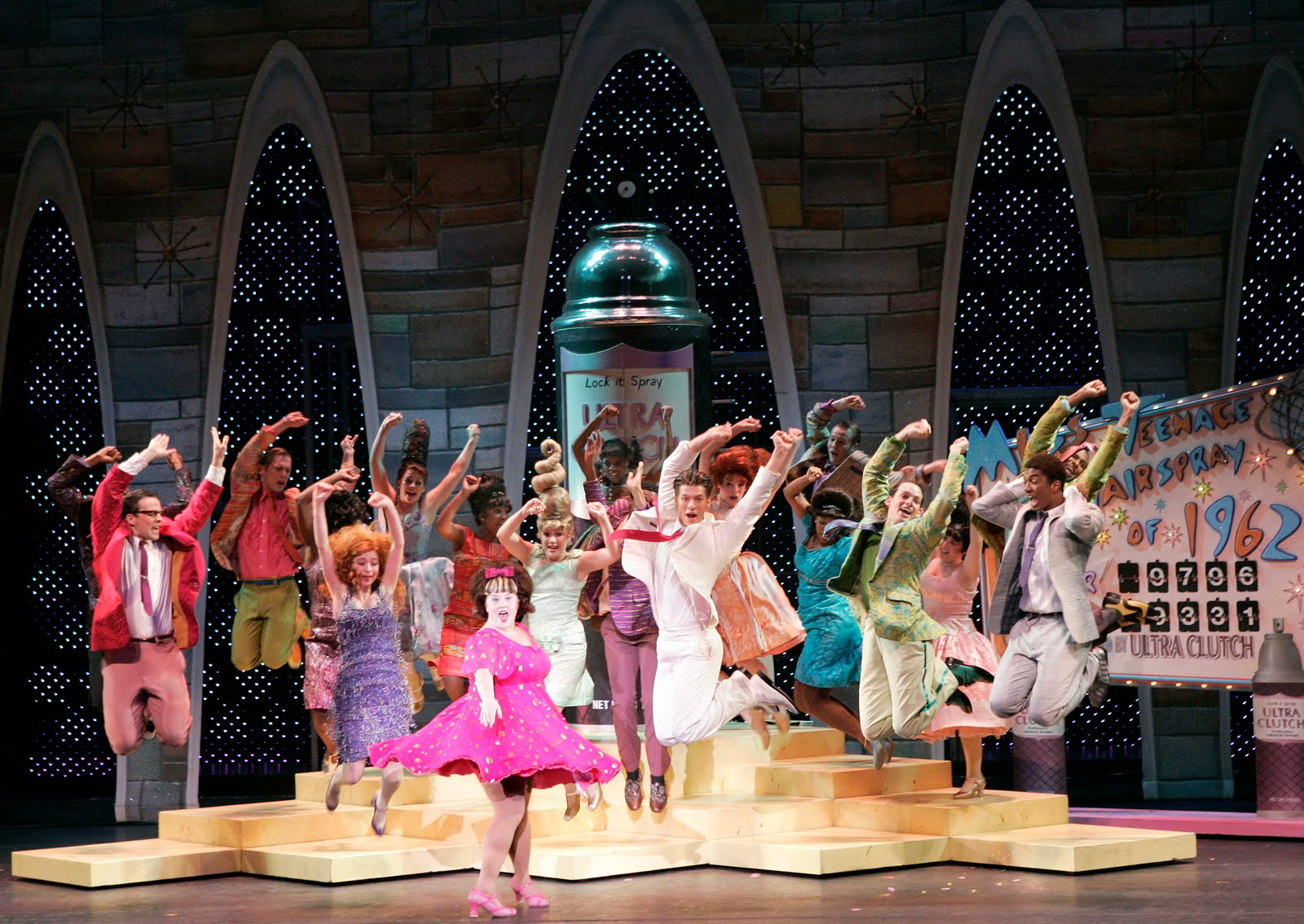 hairspray musical Hairspray is an american musical with music by marc shaiman, lyrics by scott wittman and shaiman and a book by mark o'donnell and thomas meehan, based on the 1988.