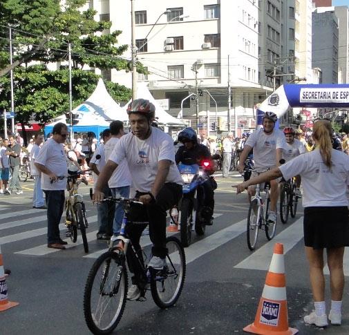 Ministro do Esporte, na inauguração da ciclovia em Campinas