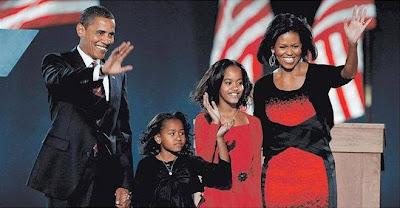 Barack Obama, Natasha, Malia Ann y Michelle Robinson