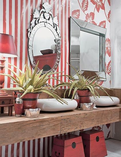decoracao de banheiro vermelho e branco: littlebitsoflovely outro rústico e maravilhoso em vermelho e branco