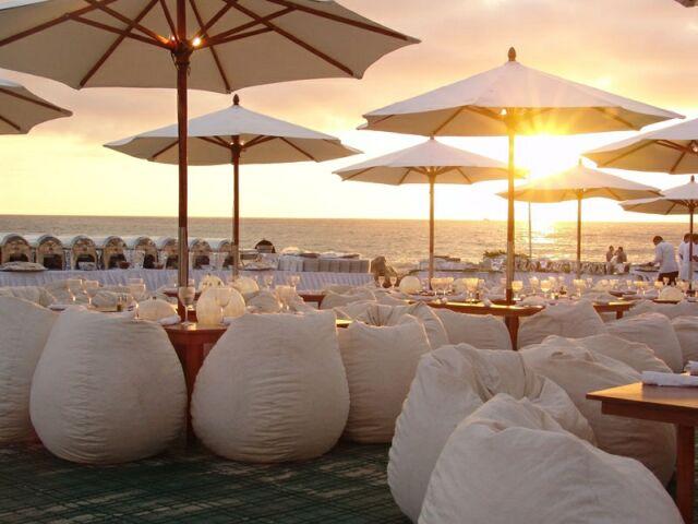 Matrimonio In Spiaggia Al Tramonto : Con b de boda cásate en la playa