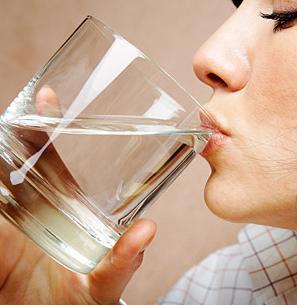 minum, air putih, air steril, air kesehatan, air minum