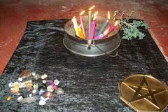 magia do pentagrama, pedras ervas e velas tudo no mesmo dia