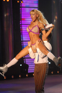 video de Evangelina Anderson desnuda en ShowMatch Patinando por un Sueño Strip Dance topless