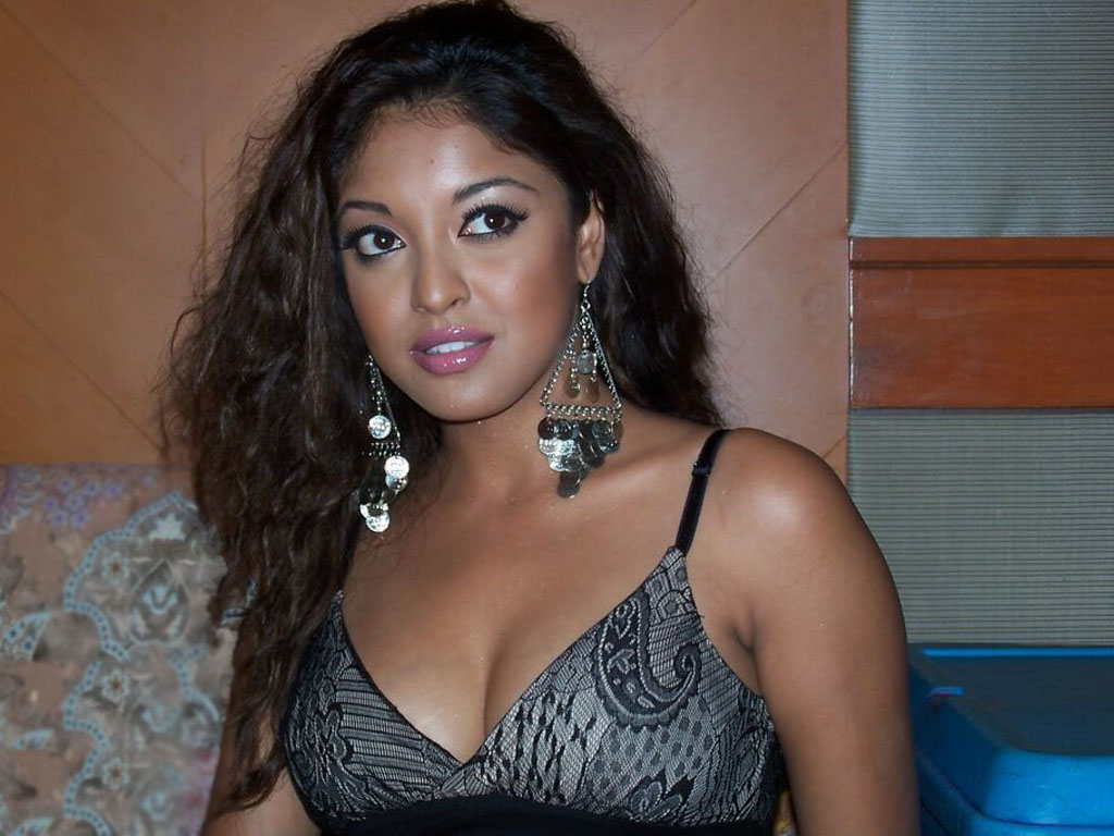 Tanushree Dutta Hot Pic