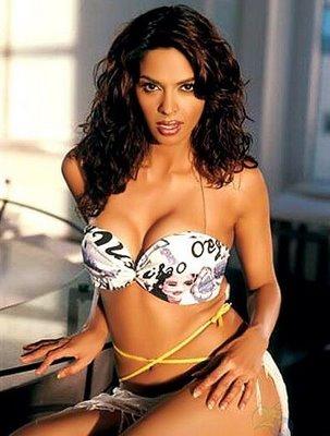 Mallika Sherawat sexy photo