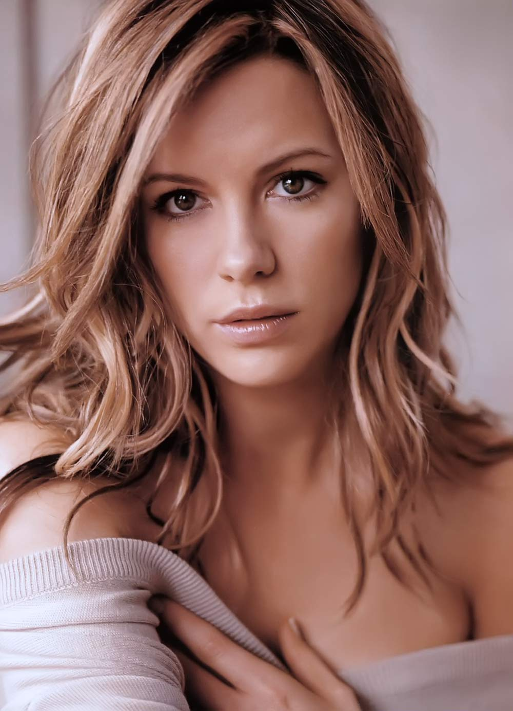 Kate Beckinsale hot photo