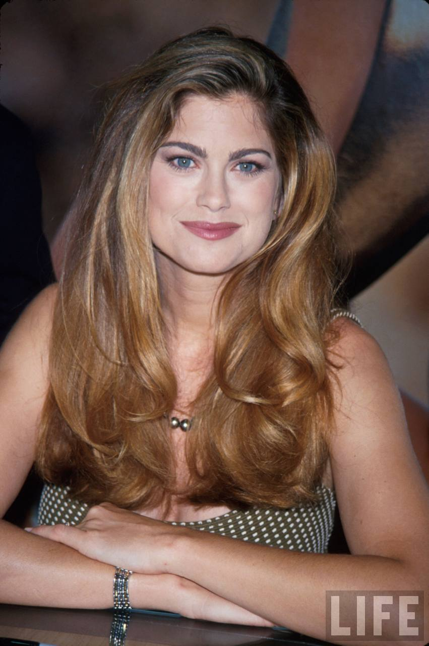 Kathy Ireland hot photo