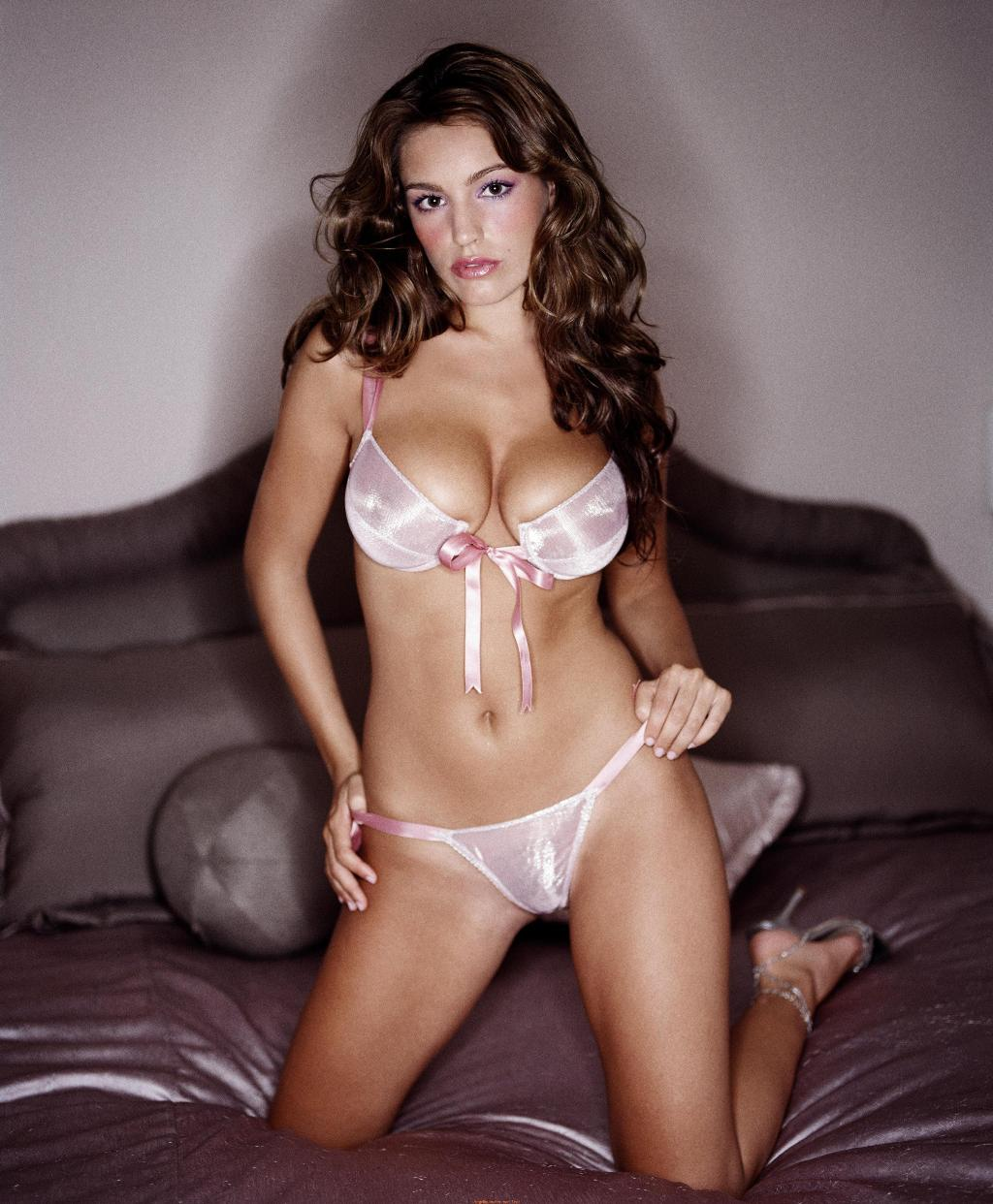 Kelly Brook sexy pic
