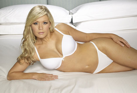 Suzanne Shaw hot photo