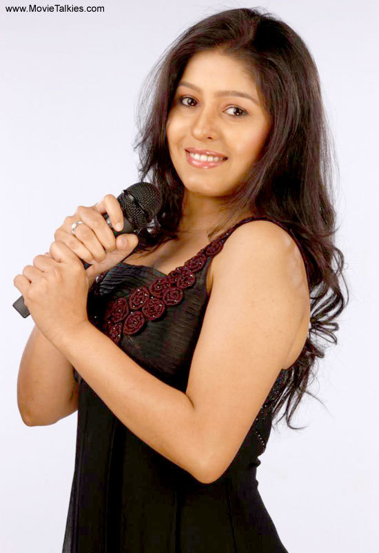 Sunidhi Chauhan Sexy Picture