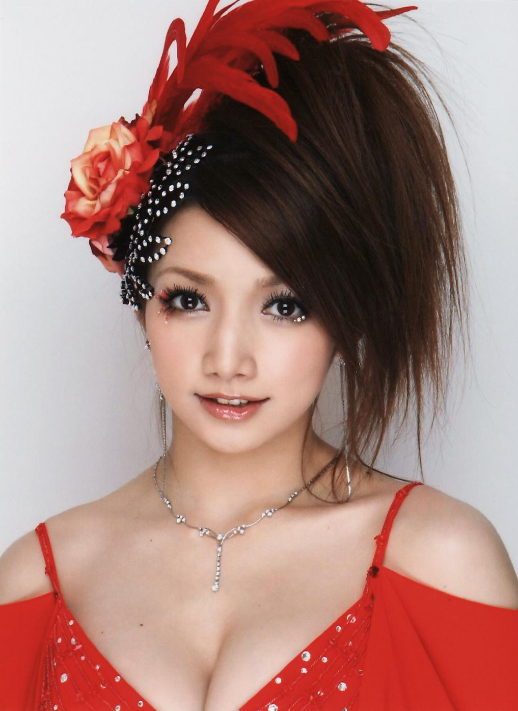 Goto Maki sexy foto