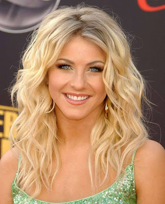 Julianne Hough hot picture