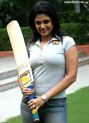 Mandira Bedi sexy foto