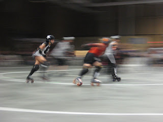 The star on the helmet signifies the team's jammer.