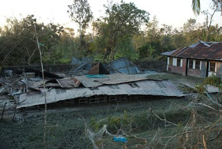 School flattened by Cyclone Sidr in Patharghata. Nov 2007. Amin /Drik/Concern Nov 07