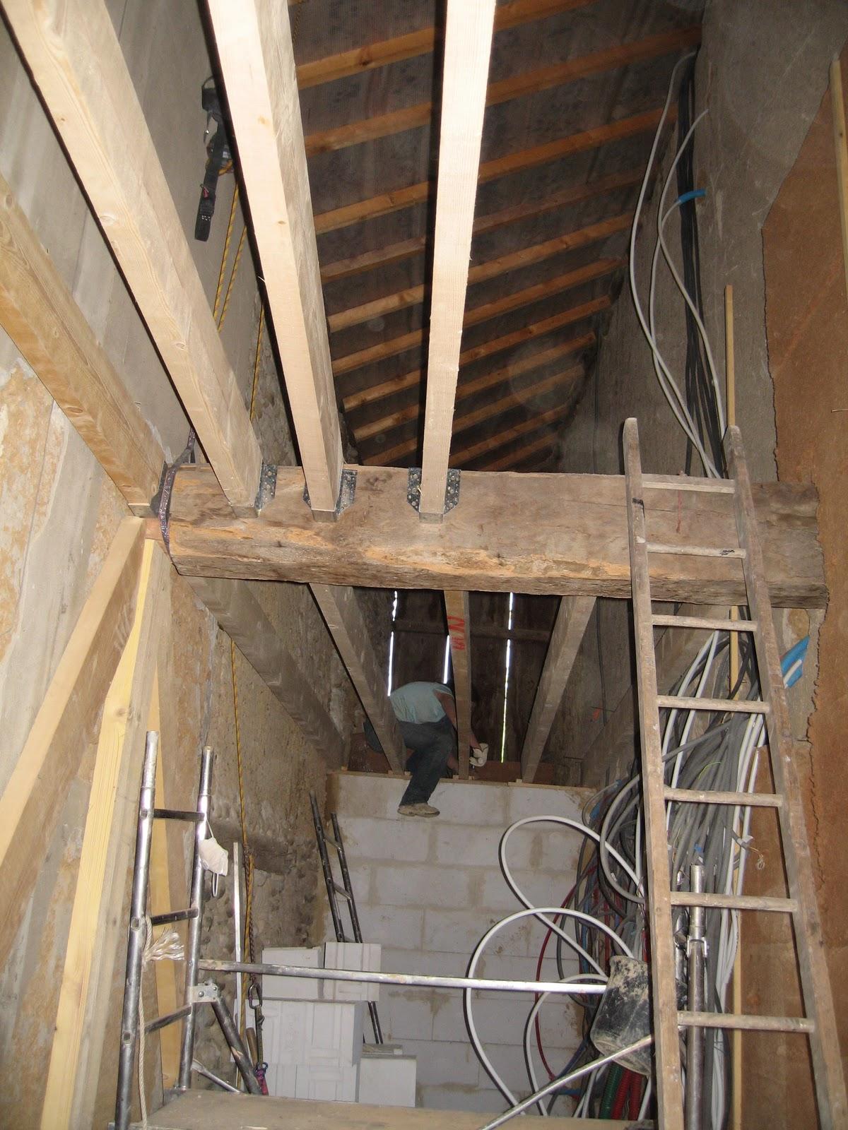 4 murs un toit et nous plancher du cellier ca avance. Black Bedroom Furniture Sets. Home Design Ideas