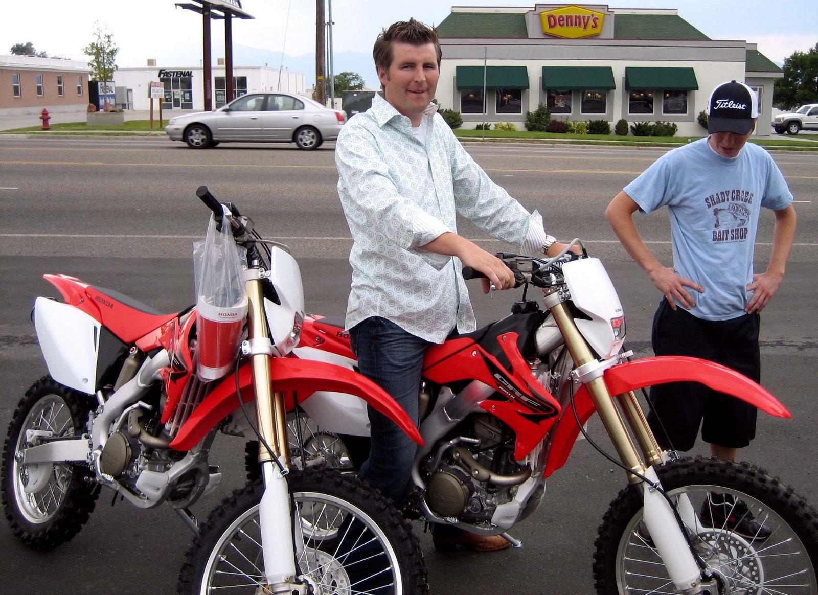 [John+&+Sam+new+bikes]