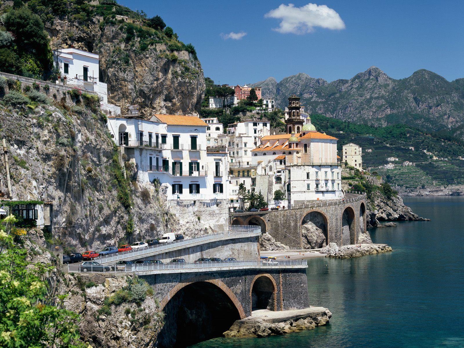 http://3.bp.blogspot.com/_708_wIdtSh0/S_5TwGPSZgI/AAAAAAAAAyw/QrwFraLibYE/s1600/Atrani,+Amalfi+Coast,+Italy.jpg