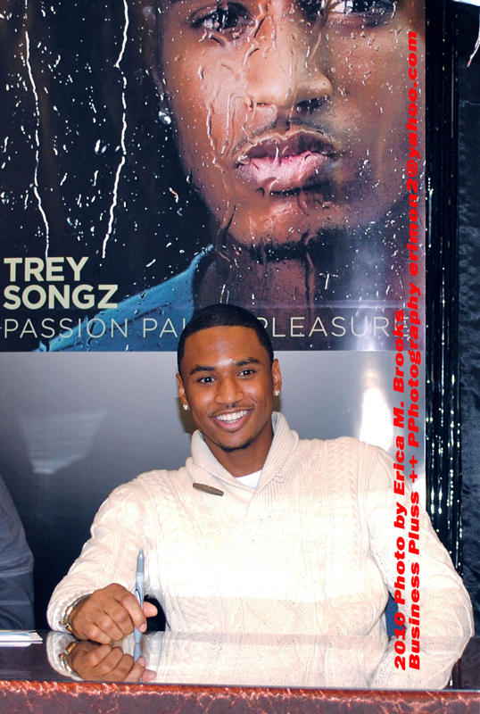 Outtown out 925 outtown exclusive trey songz meet and greet songz was all smiles at the start of his meet and greet m4hsunfo