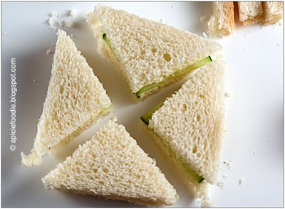 slicing tea sandwich