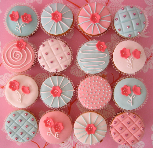 Girly Cake Design Ideas : ILoveMyLife: cup cake ! cup cake ! :D