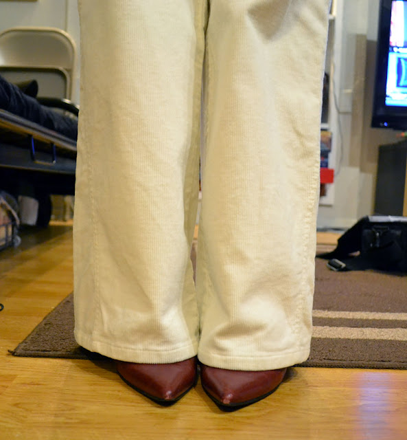 sacramento office fashion blogger angeline evans the new professional business casual white ann taylor loft corduroy trousers marisa red heels
